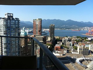 Vancouver DownTown 1400sqf Sub-penthouse 270*view