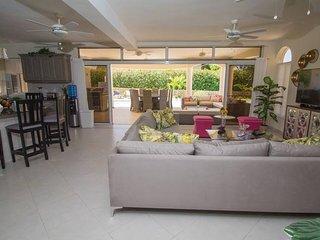 One of a kind 6 bedroom luxury villa