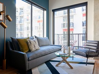 Sonder | Mill Ave | Vibrant 1BR + Sofa Bed