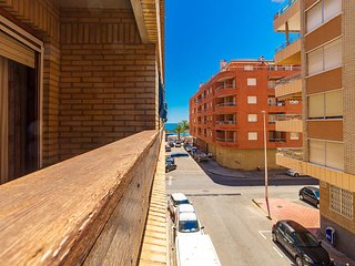 Beach Apartment, 100mts from El Cura beach, 3 beds (sleep 6) Torrevieja