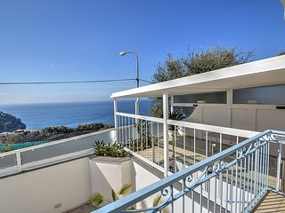 1 bedroom Villa with Air Con, WiFi and Walk to Beach & Shops - 5790498