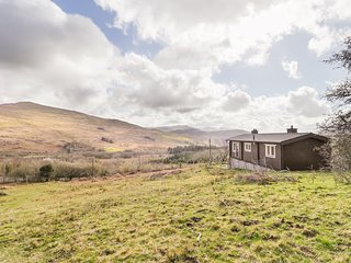 SNOWDON VISTA CABIN, pet-friendly, WiFi, near Beddgelert