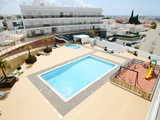 Areias de Sao Joao Apartment Sleeps 6 with Pool and Air Con - 5790288