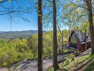 Hudson's Peak on Leisure Mtn | Beautiful 3 bedroom 3.5 bath with a VIEW!!