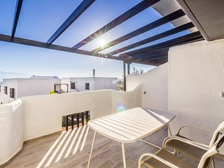 Ahemon - Sunny apartment with sea views for relax.