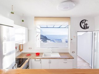 Magec - Sunny apartment with sea views for relax.