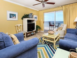 The Palms 502: Fantastic beach front, 2KING BEDS, FREE beach srvce+snorkeling
