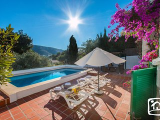 Abahana Villas - MORAIRA WAY