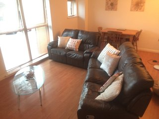 Feel * home cosy spacious two bed