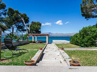 MEDITERRANEAN SUNDANCE - Seafront house with direct sea views.
