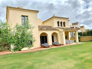 Luxury villa in Los Cortijos de la Reserva  next to La Reserva Golf Club