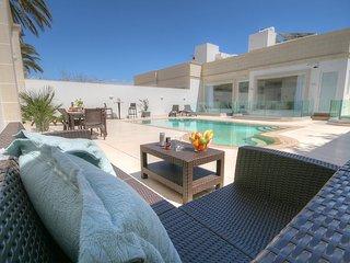 Villa Supreme - Private Pool and Jaquzzi