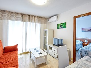 Sea-view apartments with balcony in Benidorm, 3 min walk to the beach