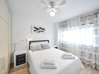 Deluxe Two-Bedroom Apartments in Benidorm, 3 min walk to the beach