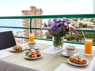 Superior Apartments with Balcony and Sea View in Benidorm, 3 min to the beach