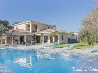 Stunning Villa with swimming pool - Dodo et Tartine