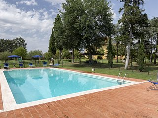 Fratta-Santa Caterina Villa Sleeps 16 with Pool Air Con and WiFi - 5790793