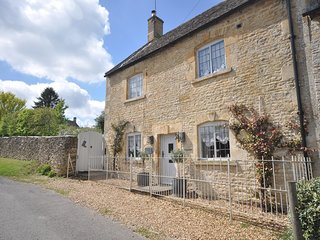 75007 Cottage situated in Upper Slaughter
