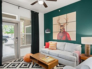 Stylish 1BR by Downtown Austin #146 by WanderJaunt