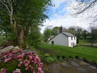 74791 Cottage situated in Mold (6.5mls NW)