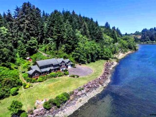 Waterfront, Outdoor Kitchen|Fireplace, Spa, Firepit, Private Beaches, Watercraft