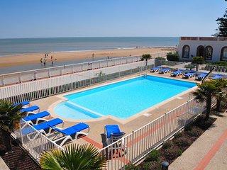 Appartement de 39m2 en front de mer avec balcon vue village | Piscine