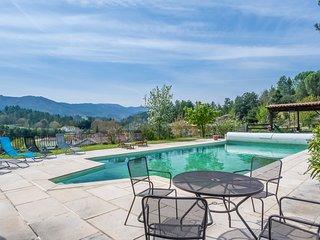 Lalevade-d'Ardeche Villa Sleeps 16 with Pool - 5049803