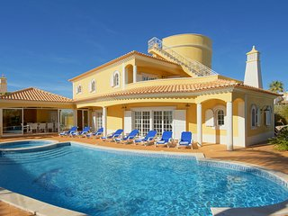 4 bedroom Villa with Pool, Air Con and WiFi - 5790502