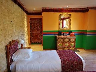 Chambres d'hôtes de l'HImalaya - décor et mobilier authentique du Tibet.