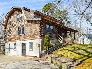 Beautiful Large Log Home Min From Beaches