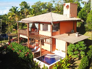 Linda casa em Itacaré em meio a mata atlântica e a 350m da Praia São José