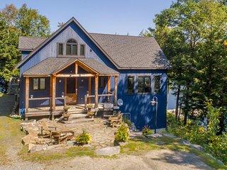 Splendour on Horseshoe Lake~6000 sq ft of luxury!