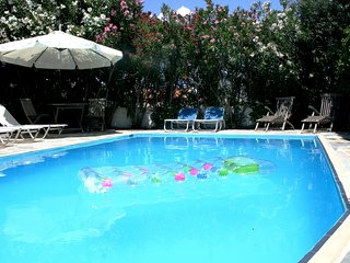 Stylish Family Villa with Pool, A/C, WiFi, Views, close to Nafplion and Beaches