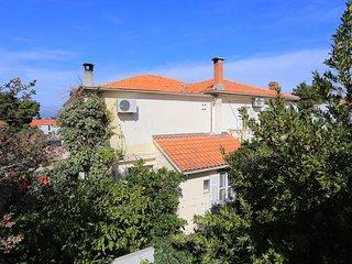 Two bedroom apartment Supetar (Brač) (A-16656-c)