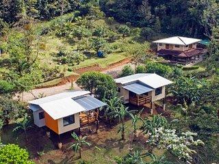 Aves de Tierras Altas 2 Bungalos enla montaña Coati y Tapir, lugar de descanso.