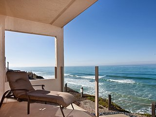 Make this your 'HAPPY' Place!  2BR Oceanfront SBTC213