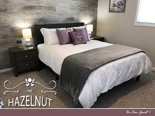 The Hazelnut - Metro Detroit's Premier Home Rental -15 mins to Downtown Detroit