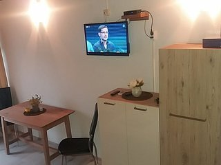 Screen,Chair,Furniture,TV,Table