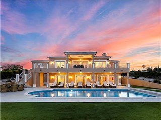 Stunning New Villa on the Reserva da Luz