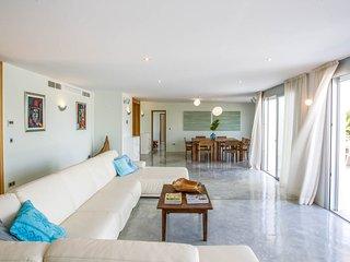 Cala Bassa Villa Sleeps 12 with Pool and Air Con - 5790752