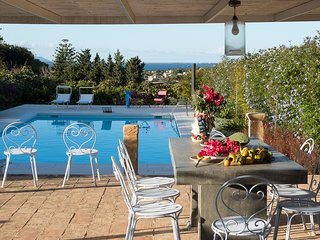 L'Addolorata Villa Sleeps 9 with Pool and Air Con - 5790755