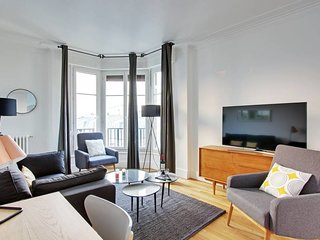 A Stylish 2-BDR in Saint-Michel / Odeon
