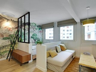 Studio / Loft in Champs de Mars - Eiffel Tower #2
