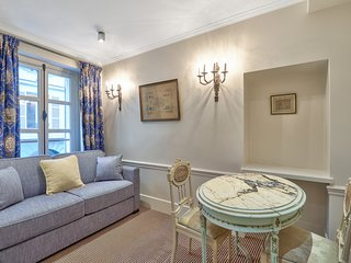 A Typical Chic Apartment in Saint Germain