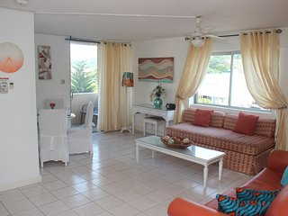 DREAM holiday at Turtle Towers.Beach front..24hr/ security..central position