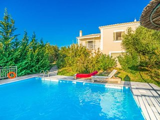 Gialova Villa Sleeps 4 with Pool and Air Con - 5334439