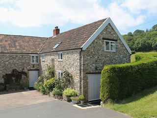 SWALLOWS COTTAGE, Welcoming, environmentally friendly farm cottage with wood