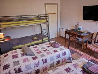 Le Percnoptère chambre privée, salle de bains, cuisine