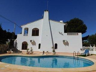 Beautiful Villa in Villamartín with Pool & Garden