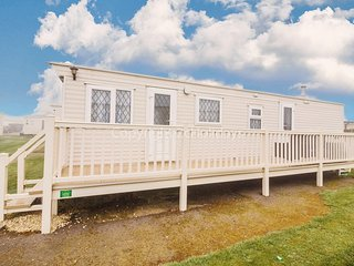 8 berth dog friendly caravan in Summerfields holiday in Norfolk ref 19160S